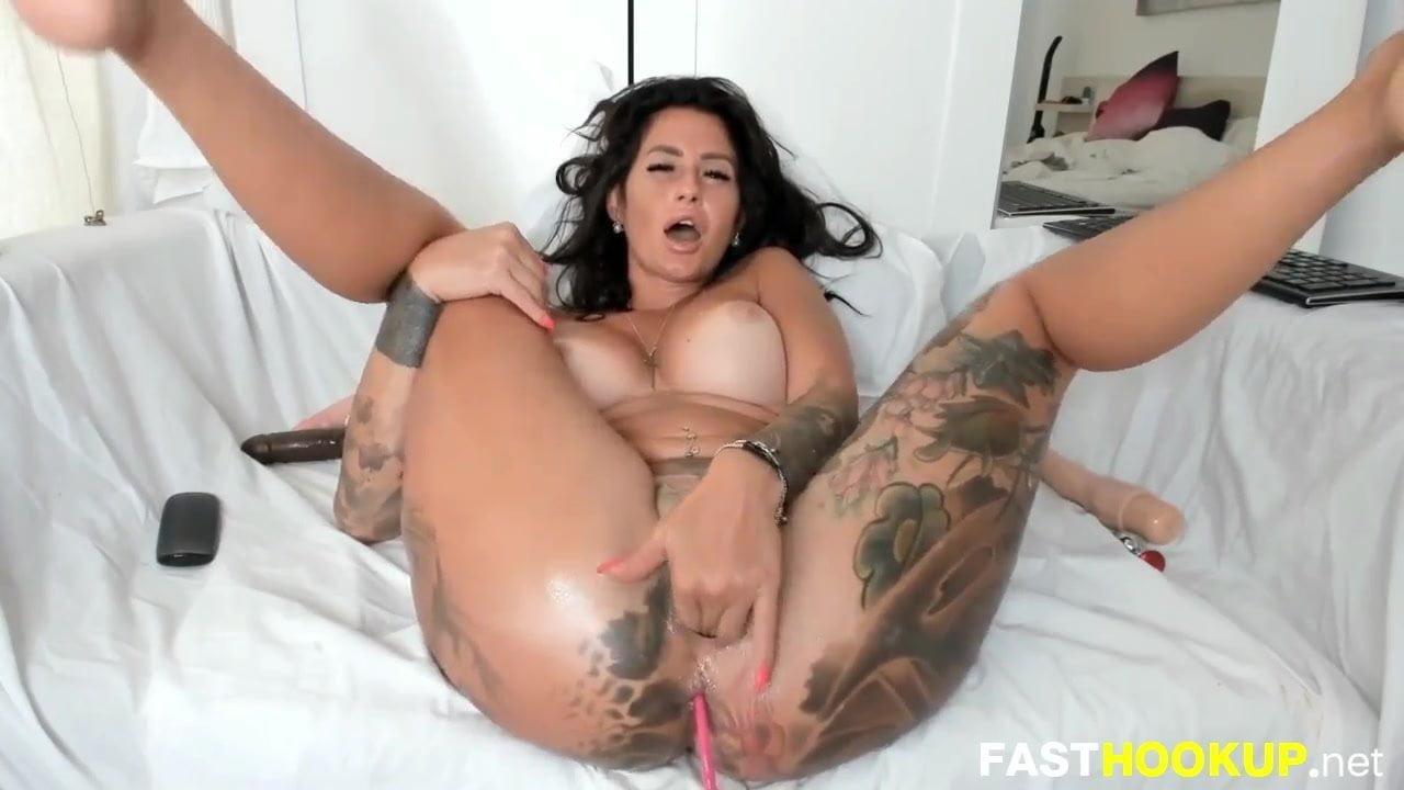 Milf Masturbating Squirt