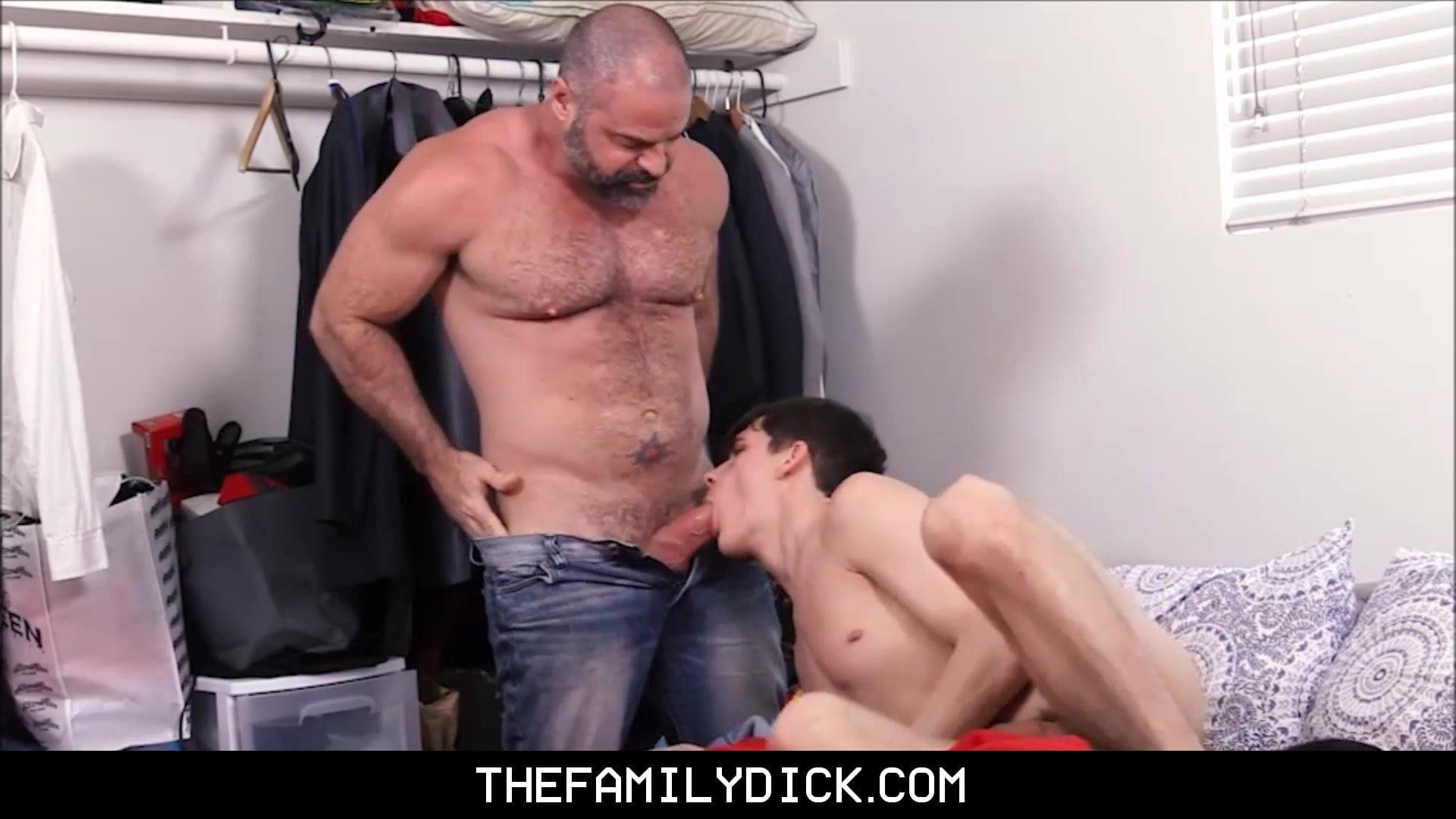 Гей Порно Отчим Трахает Пасынка