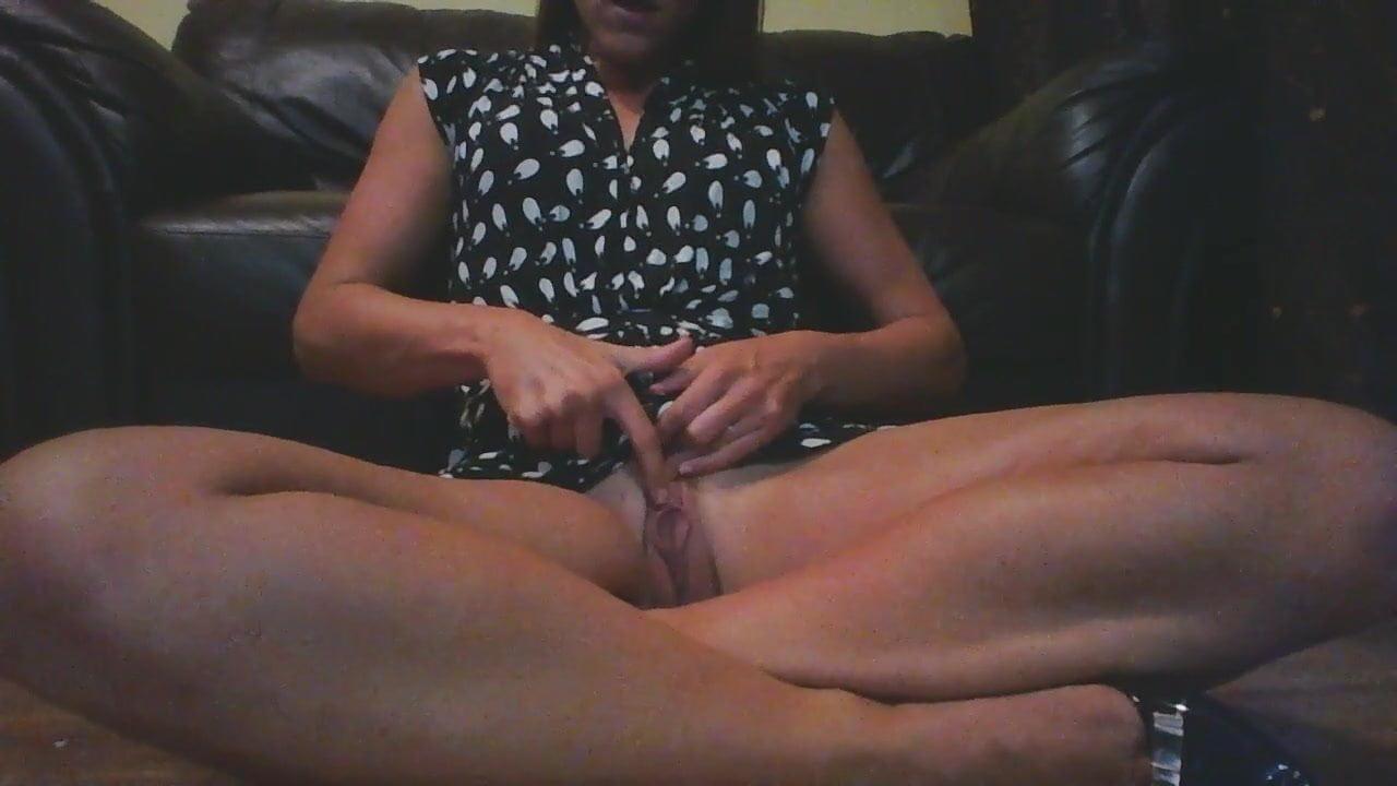 Порно Дочь Дрочит Клитор