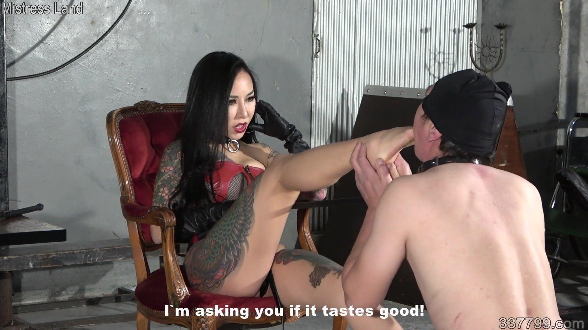 Порно Азиатский Фемдом