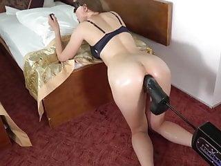 Fuck huge machine - Dirti wife and her huge anal machine