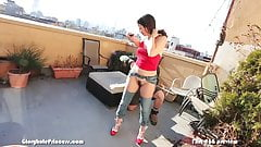 Housewife gets prepared to flash her pussy all over New York