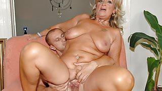 Hot mature loves wild penetration