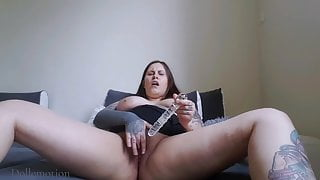 Giving myself an orgasm with a dildo