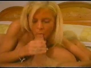 Porno gat Young blonde gats a mouthfull