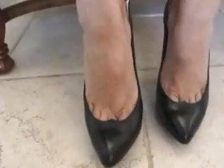 Highheel sex - Cum on black highheel pumps