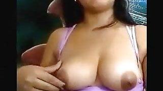 pakistani aunty Nabila Nude on cam