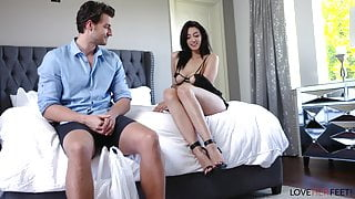 Bella Rolland's Footjob For Delivery Guy