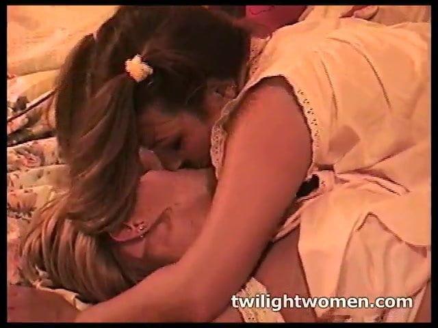 Ebony Amateur Lesbian Orgasm