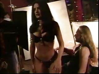 Salma hayek bikini pictures - Salma hayek - behind the scenes in bikini