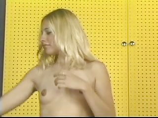 Sexy girl jumping anitmation - Tight blonde teen plays with a pussy jumps rope in the locker room