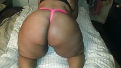 poppin that big black booty