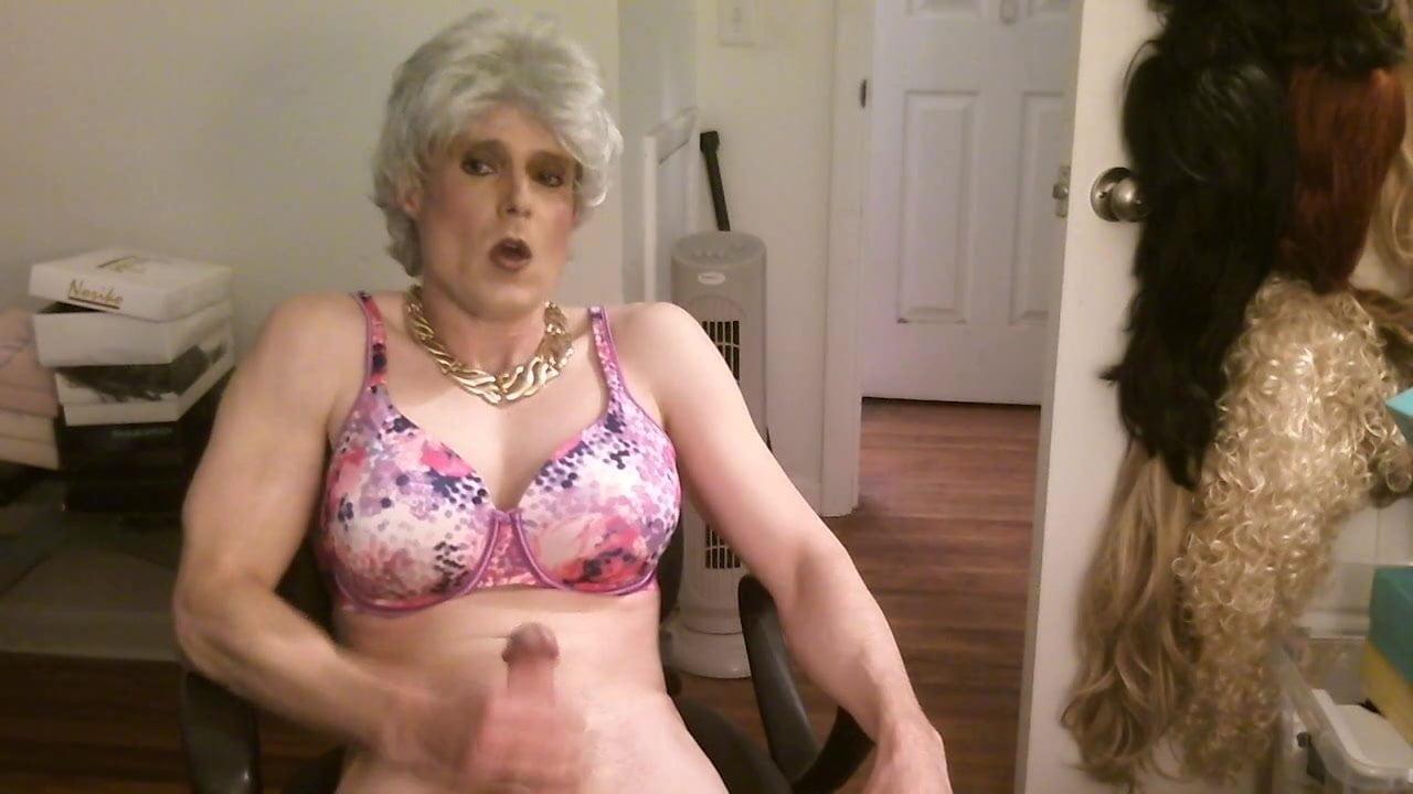 Gilf Shemale Porn