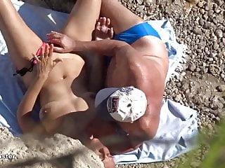 Pleasure beach games Spy voyeur at beach - finger games...
