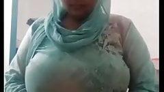 Busty Muslim MILF .....EXCLUSIVE.....