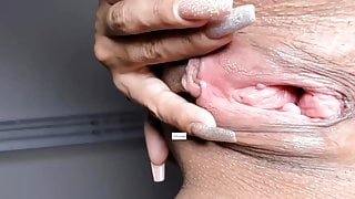 Wide Open Pussy in your face