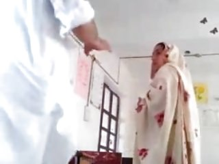 Girl fuck teacher - Desi principal fuck teacher in class room mms paki old fat