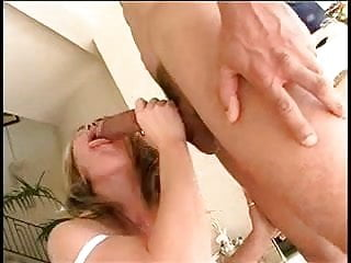 Drawf gets fucked by big cock - Babe gets fucked by big jake and his bent big black cock
