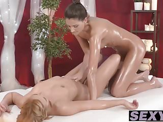 Eva mendez sexy Licking and kissing with sexy eva and busty tracey