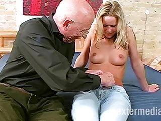 Enkelin und porno opa Opa fickt