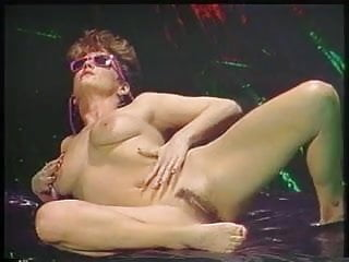 Thumbnail for blavk porn queens - 80s porn queen spreads her pussy wide then has hot fuck with four dudes
