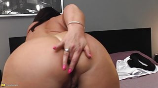 Mature big ass step mom with hungry ass and pussy