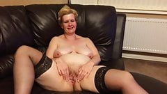 Paula R Spreads Her Cunt