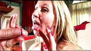 Sexy mature lady in stockings sucks & fucks for a facial cumshot