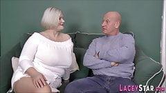 Shlong succhia la nonna inglese viene scopata a pecorina