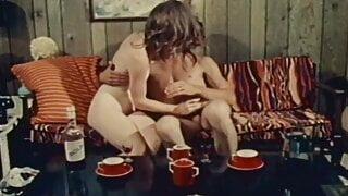 Four Women In Trouble (1970, US, John Holmes, full, DVDrip)