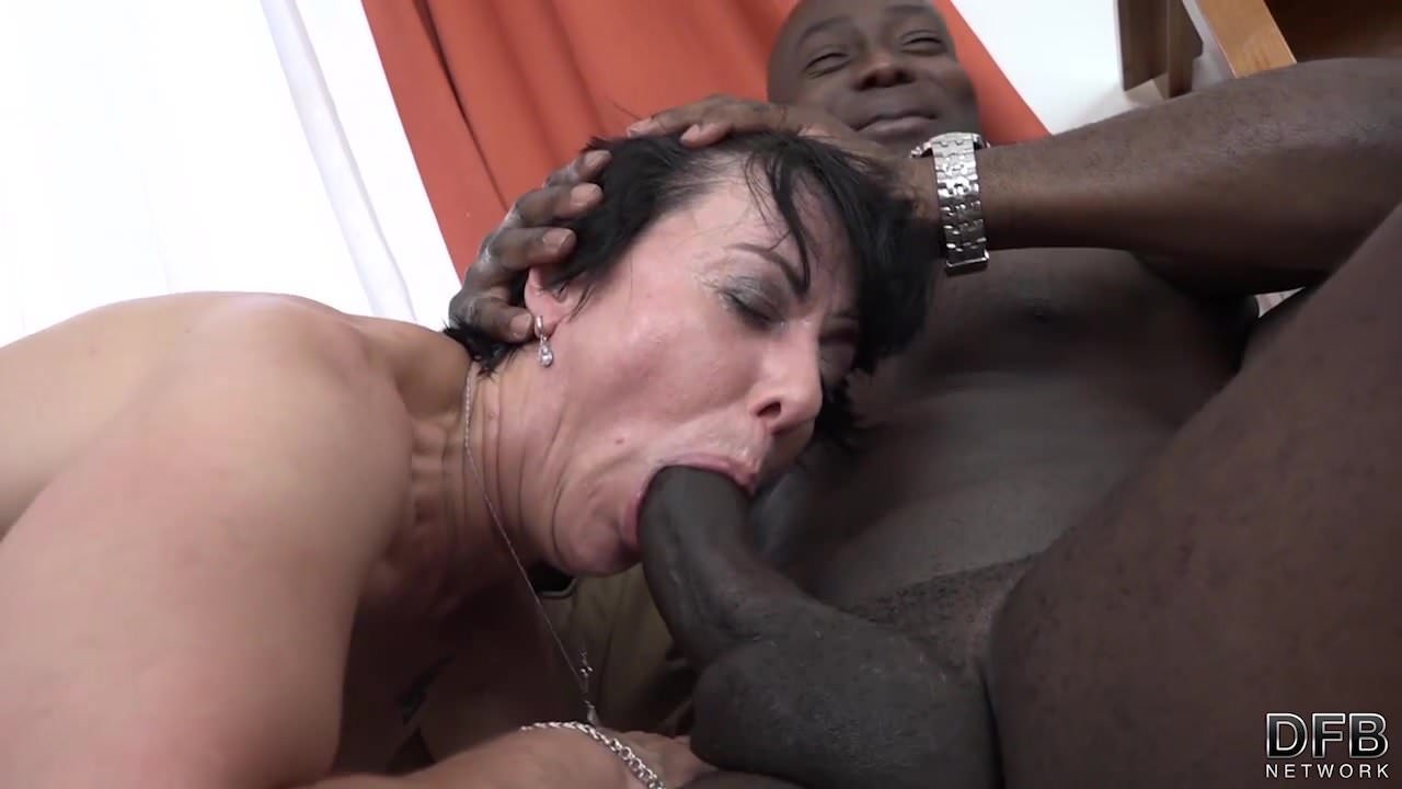 Gay Interracial Deepthroat granny threesomes with 2 black men shoving cocks in mouth