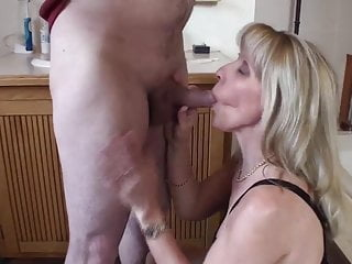 Employment blow job - Guy cums twice during a blow-job