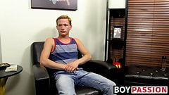 Twink Billy London slides dildo in ass and jerks cock solo