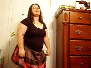 Diddylicious showing pussy - Ugly fat ex gf showing pussy, ass and dancing skills