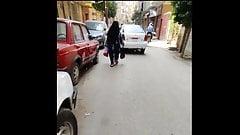 Niqab mujer sacudiendo su culo