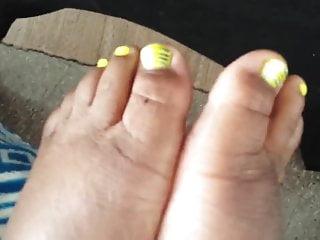 Darksites fetish yellow oages - Yellow footjob