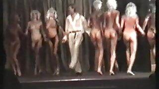 Rus Kakadu theatre. Showgirls.