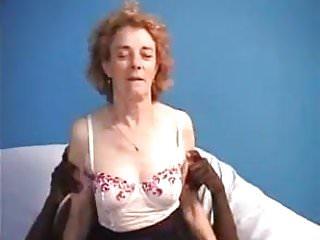 Agnes 85h large breasts Agnes grosse bite noire pour anal