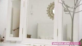 Vanessa Loves Girl