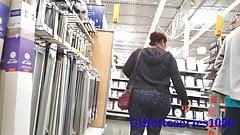 Поймай красивую широкую задницу жены скрытой камерой