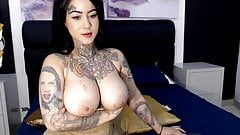 Thick tats girl with big tits and ass