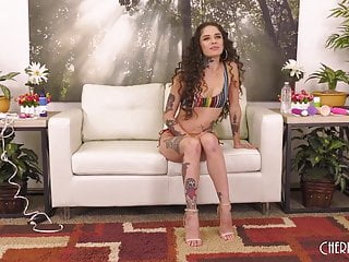 Girls that squirt during sex - Tattooed latina squirting during solo masturbation with toys