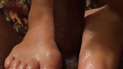 Pretty yellow feet