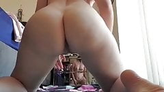 Homemade slut tries to fist her loose ass