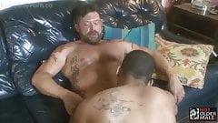 Sexo gay: Danny Crocket e Johny Five (camisinha)