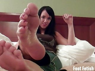 Taylor suck Suck on mandy taylors toes and feet