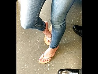 Leagal no nude - Milf feet in train no nude