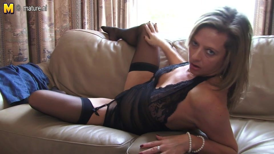 Hot Cougar Mom Playing With Herself, Free Porn 02 Xhamster-6948