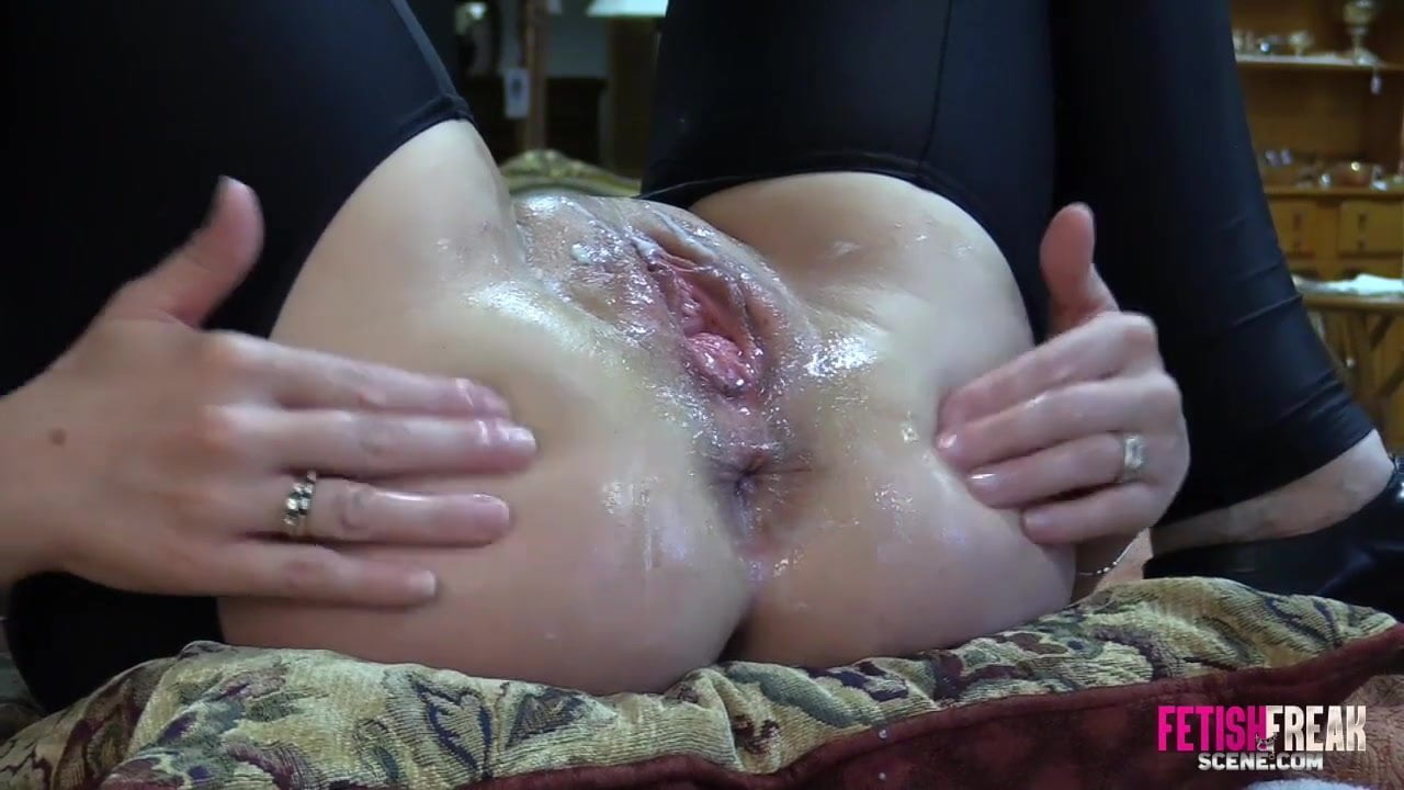 Lesbian pussy eating photos free