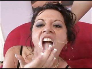 Hot lesbo milfs